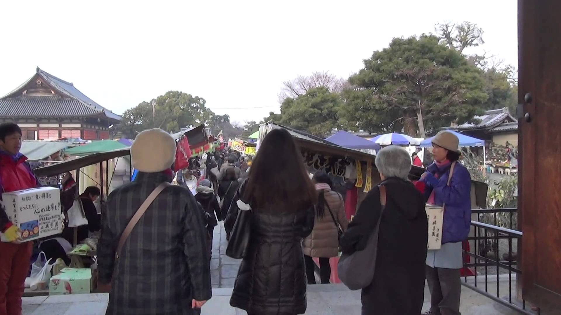 東寺の縁日「初弘法」編01 じっくり屋台を見て回れた朝の弘法さん
