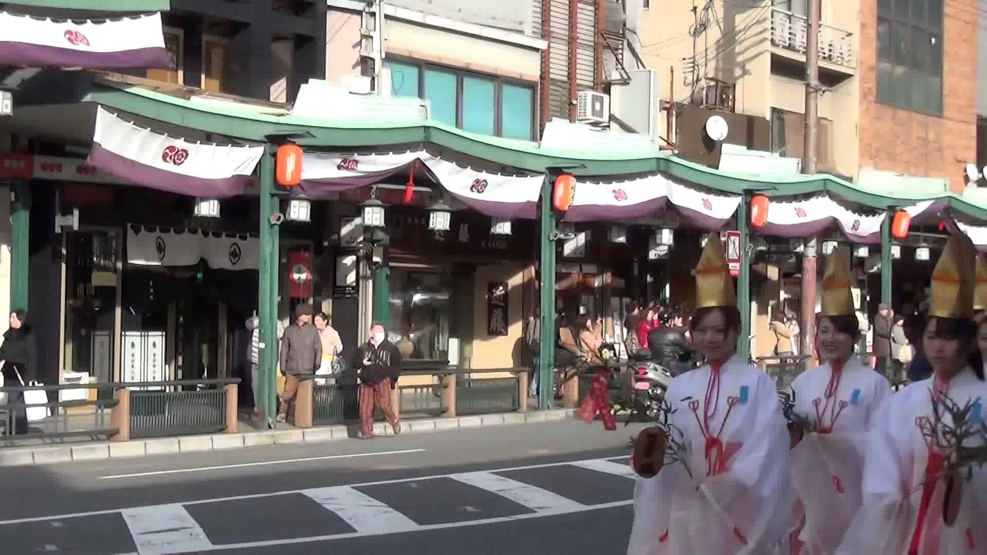 八坂神社「祇園のえべっさん」編1 えべっさんオールスターズの蛭子船巡行がご登場