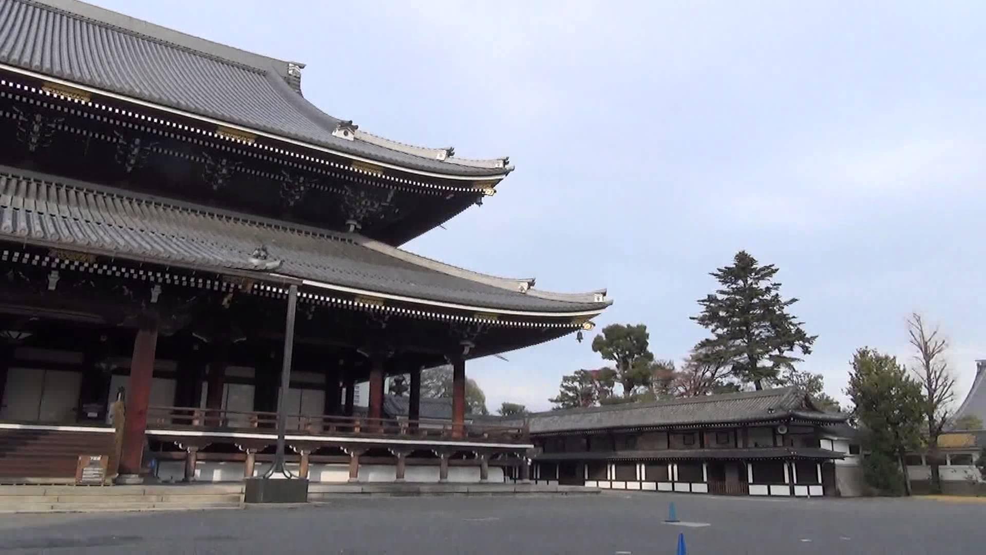 東本願寺編1 927枚も畳が敷き詰められた御影堂で心の静寂を得る